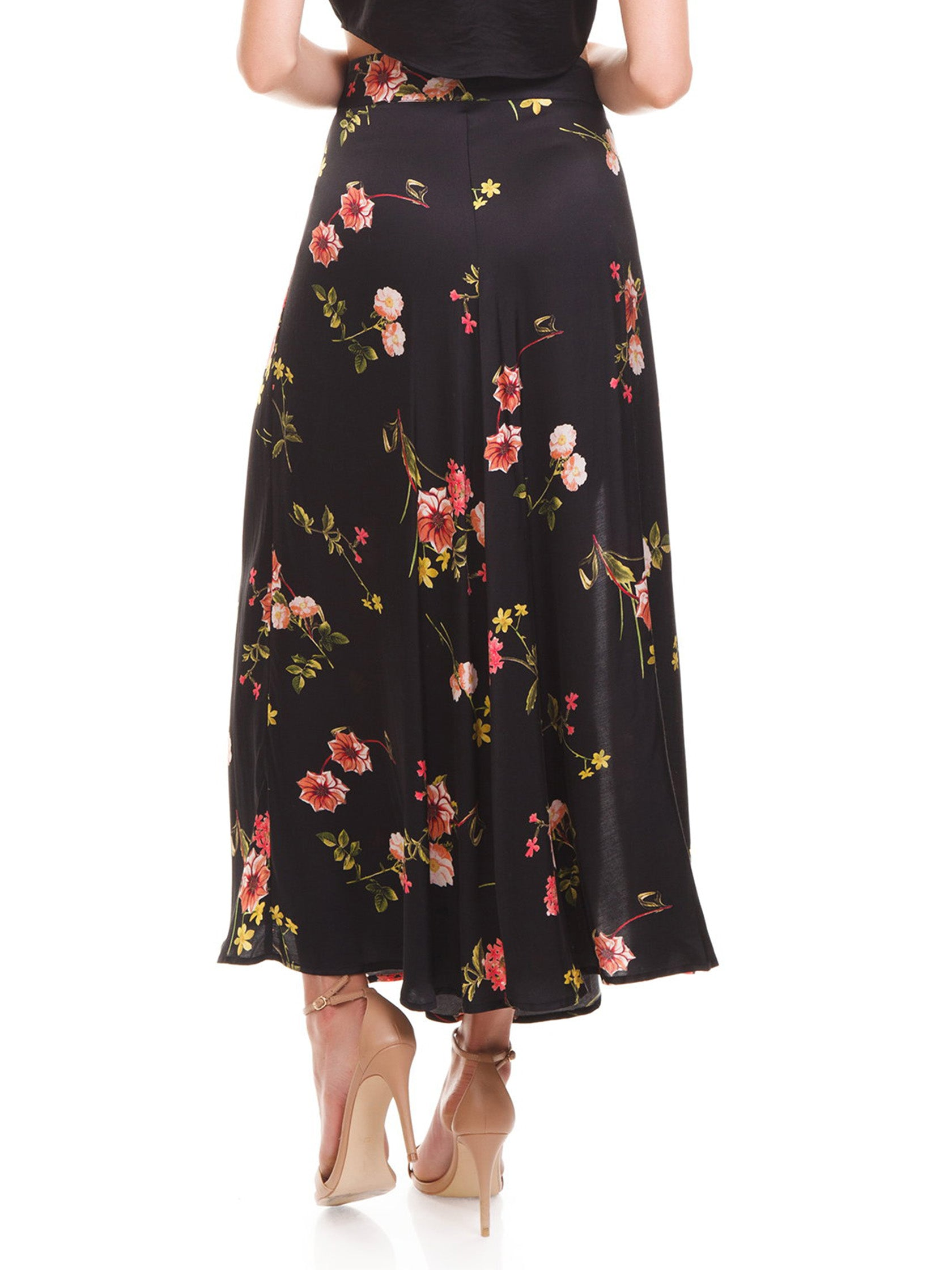 Women outfit in a skirt rental from Capulet called Madie Midi Skirt