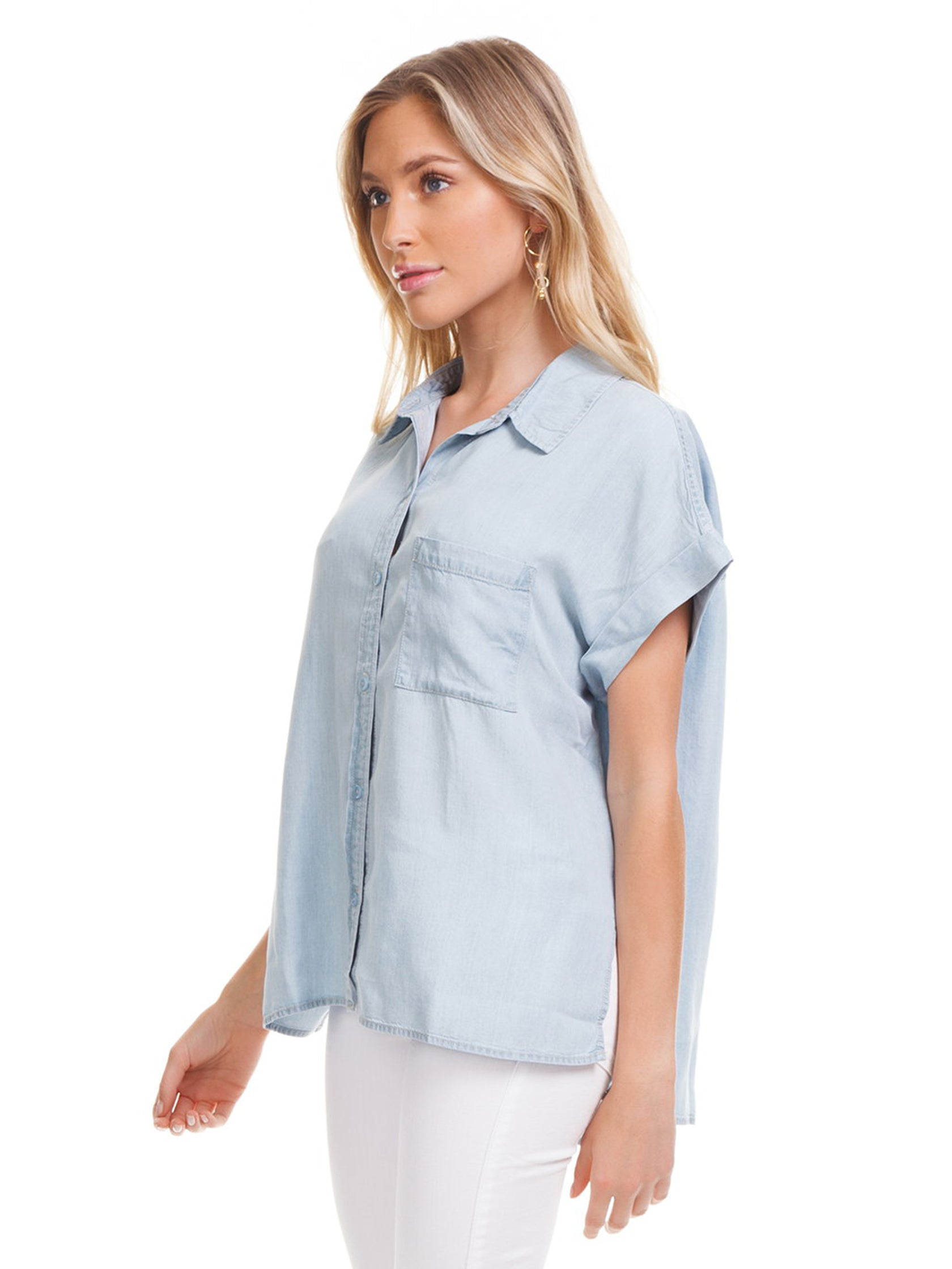 Women wearing a top rental from SANCTUARY called Mod Short Sleeve Boyfriend Shirt