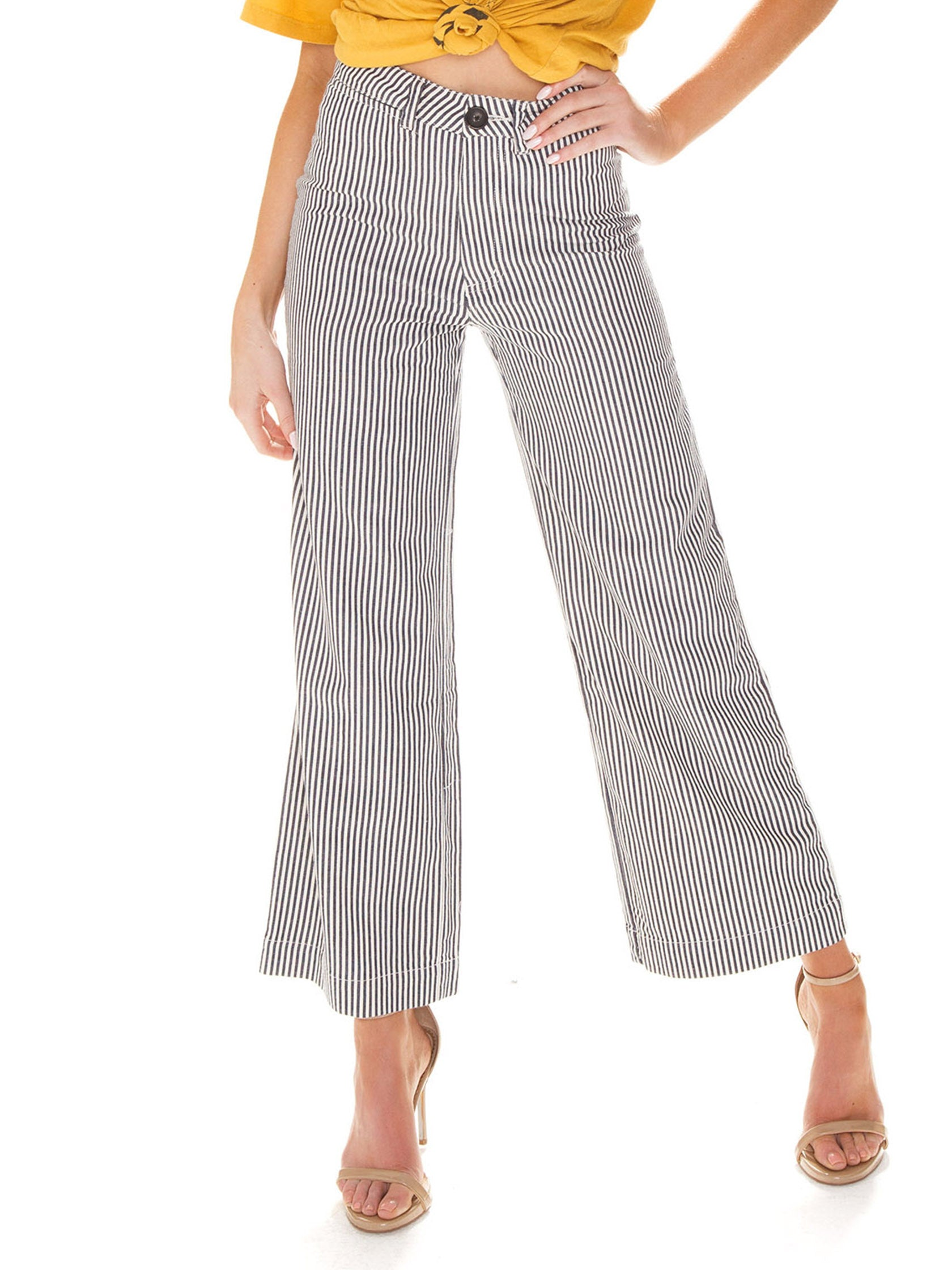 Woman wearing a pants rental from ROLLAS called Old Mate Pant
