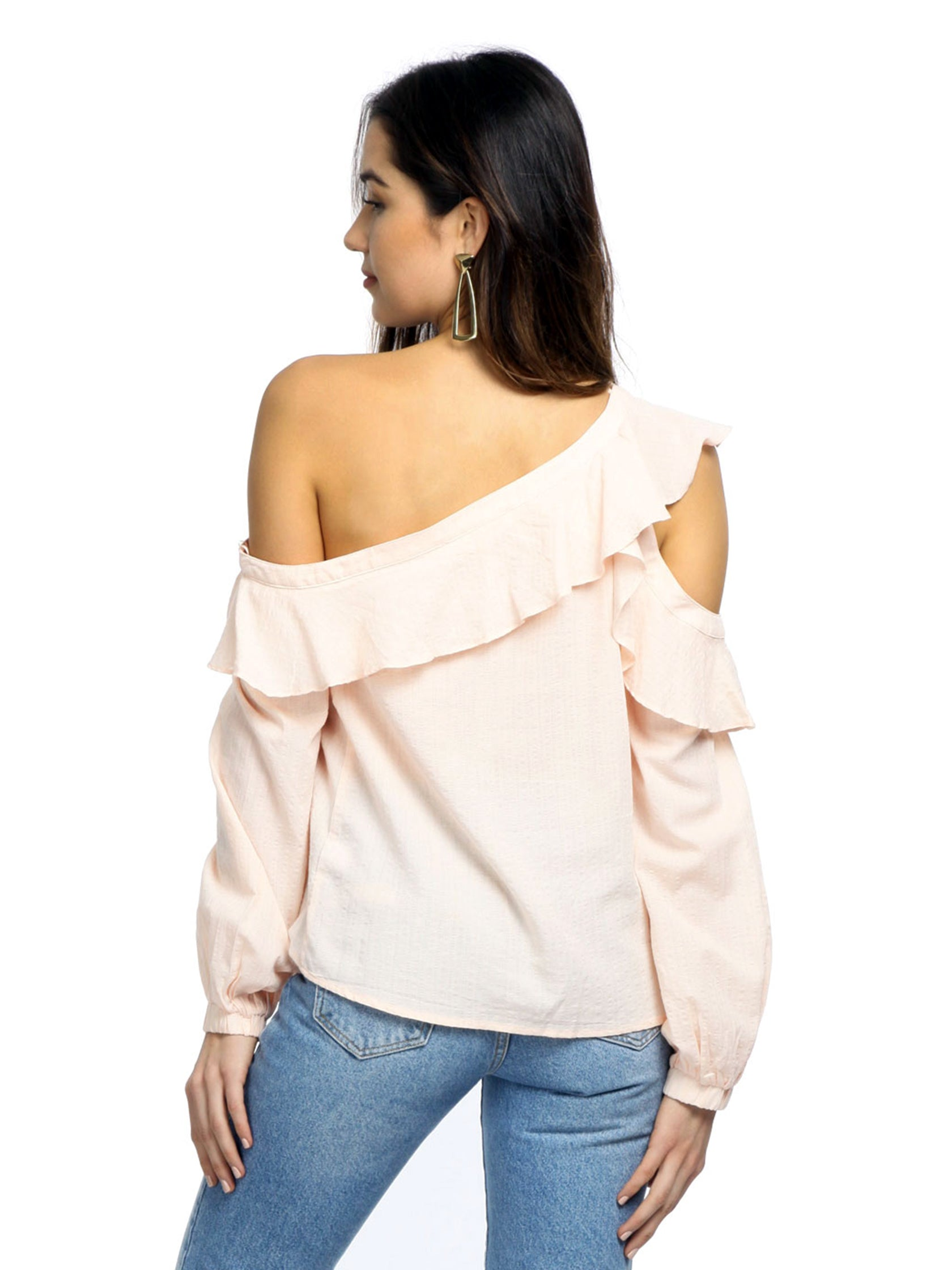 Girl wearing a top rental from ASTR called Paige Off The Shoulder Blouse