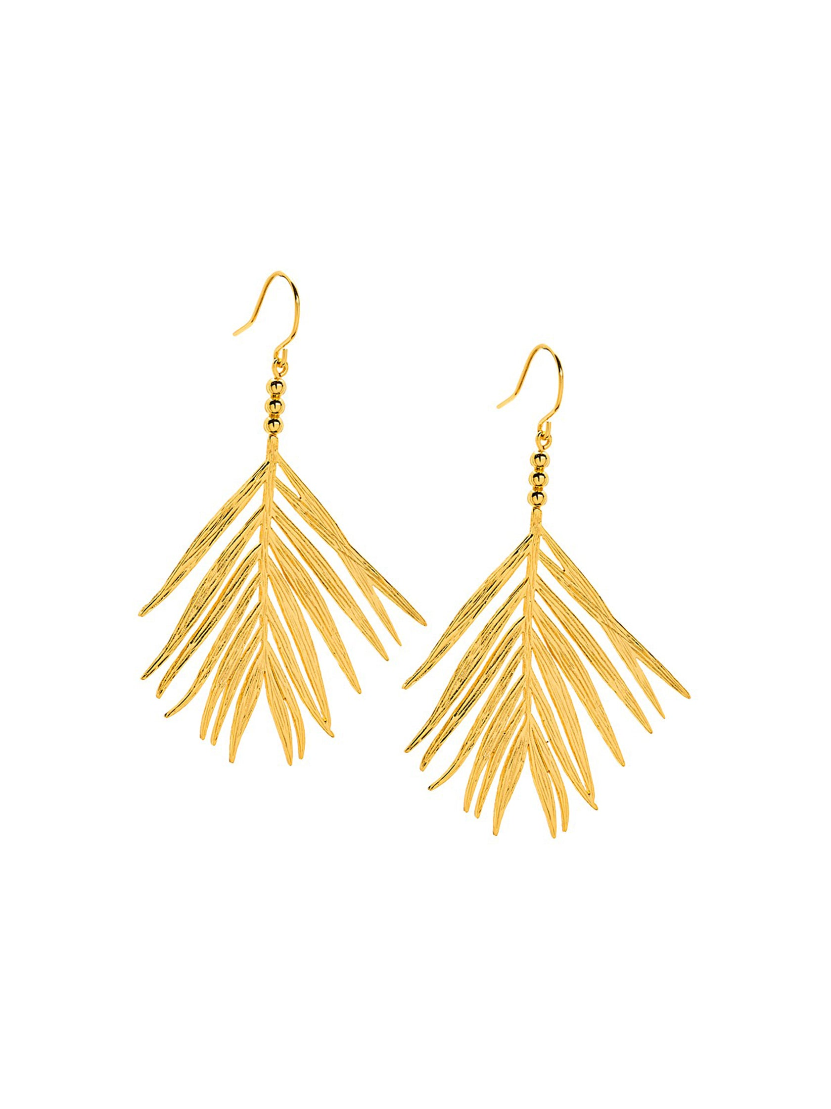 Women outfit in a earrings rental from Gorjana called Palm Drop Earrings