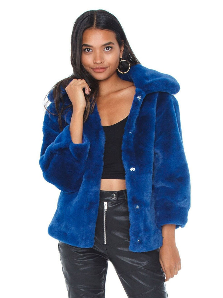 Girl wearing a jacket rental from BARDOT called Fab Moment Faux Fur Jacket