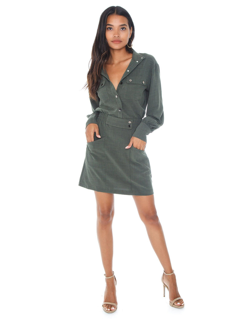 Women outfit in a dress rental from Line & Dot called Ruched Side Dress