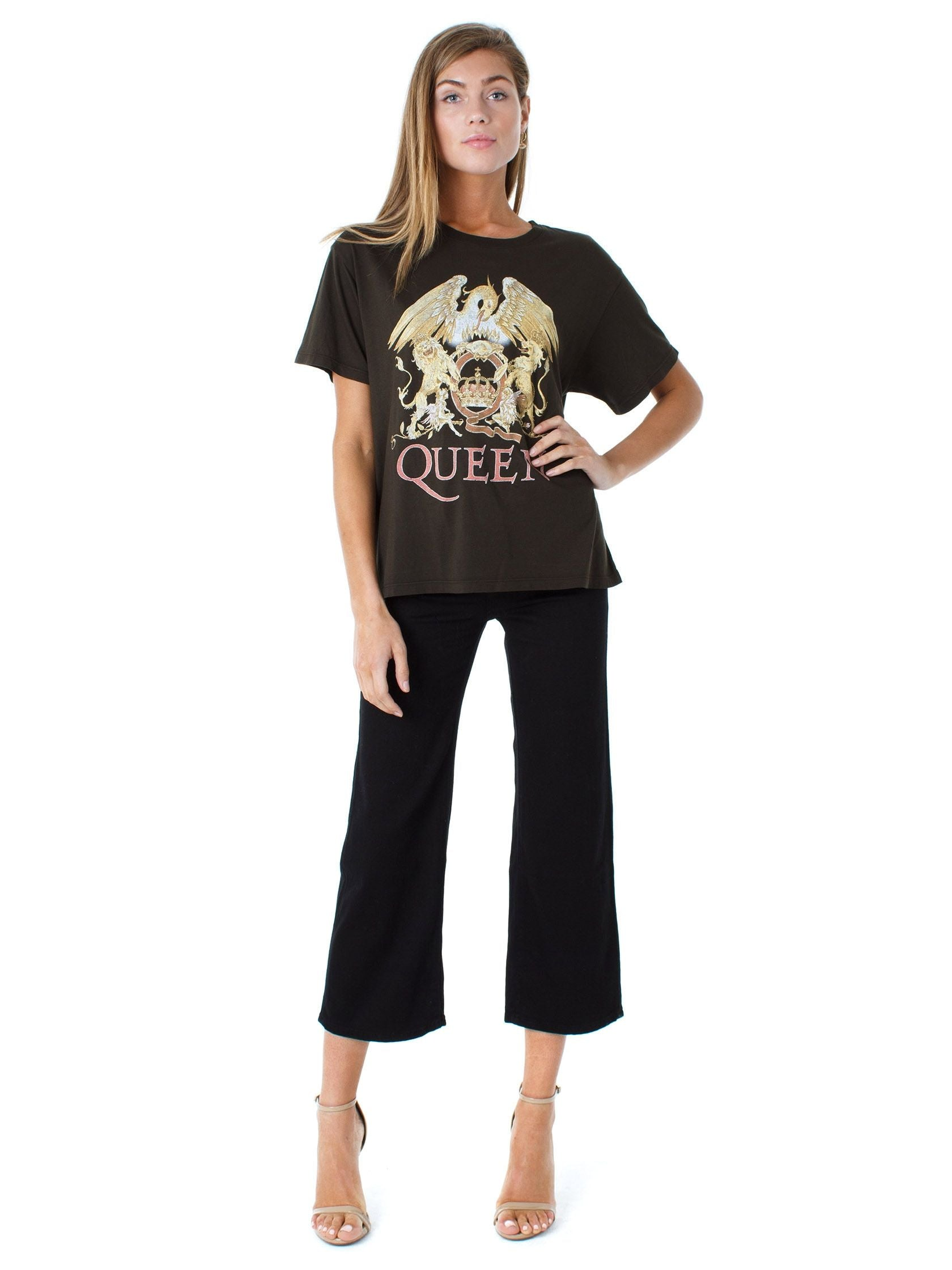 Woman wearing a top rental from DAYDREAMER called Queens Crest Boyfriend Tee