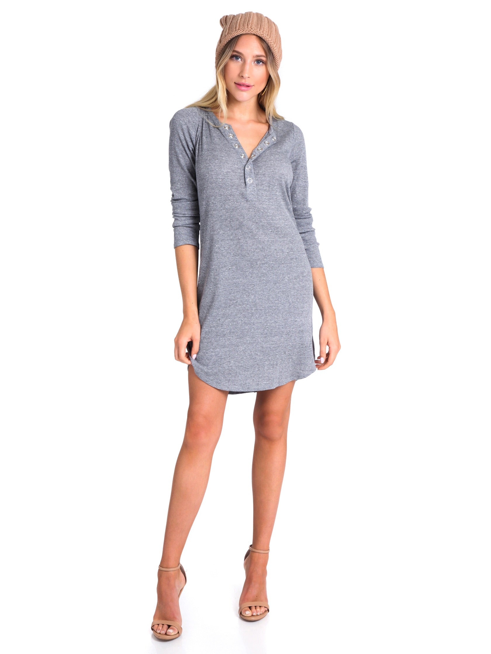 Women outfit in a dress rental from Chaser called Rib Henley Shirttail Dress