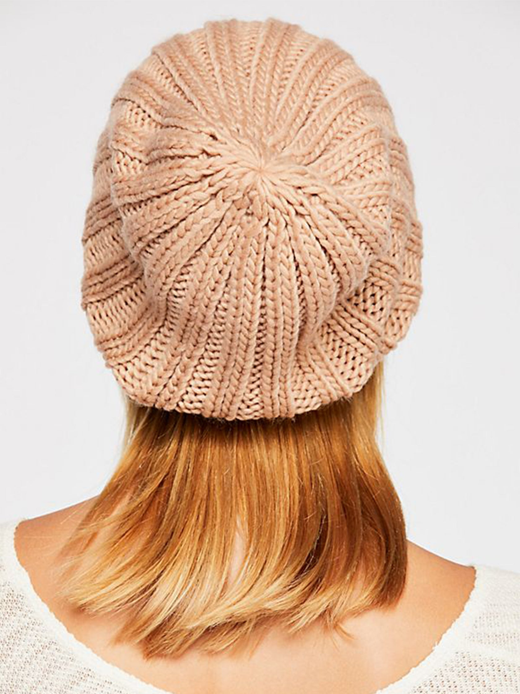 fd45bfe2bca5cf Women wearing a hat rental from Free People called Rory Rib Knit Beanie