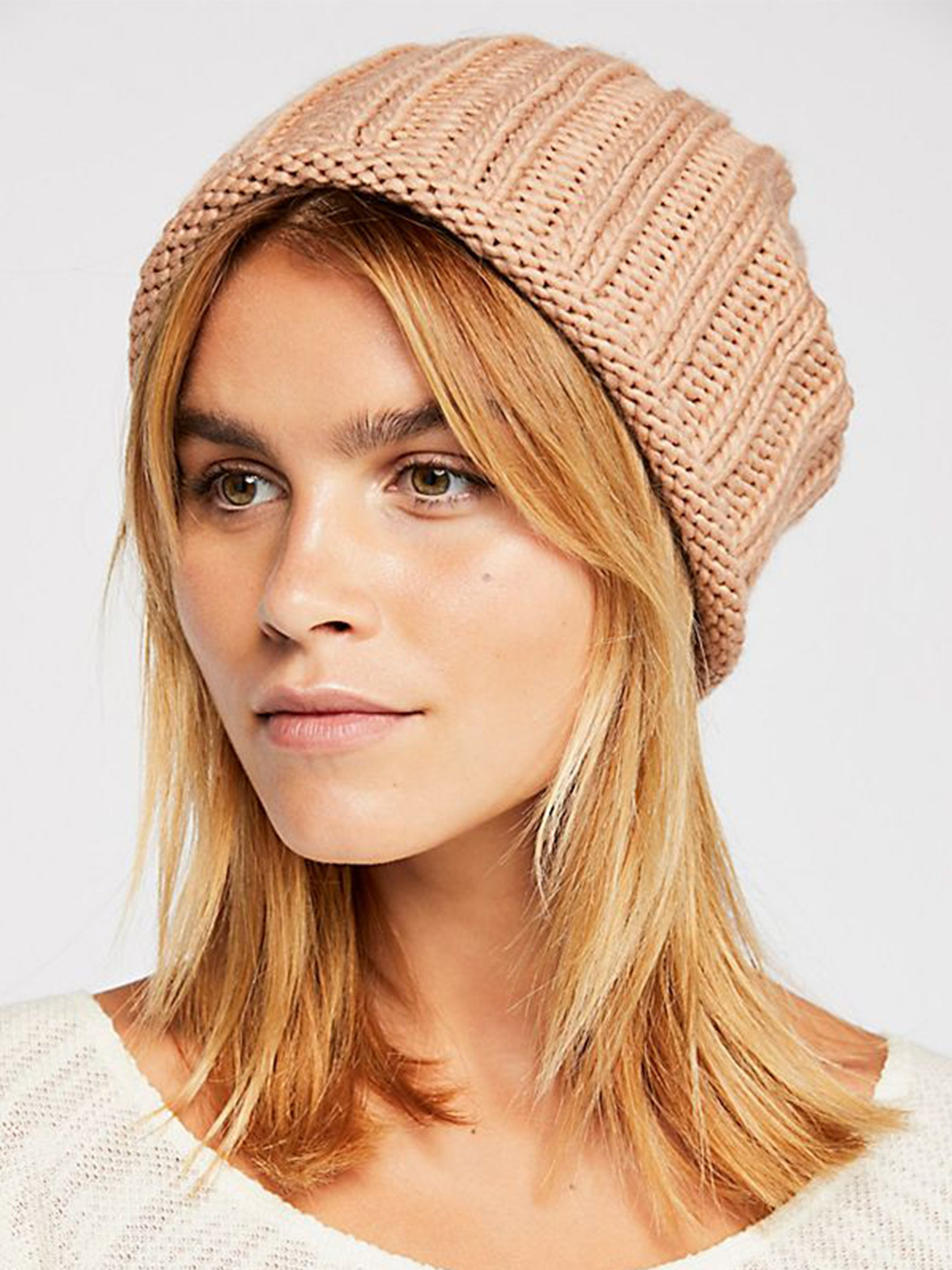 4d32cfd30c9ef Women outfit in a hat rental from Free People called Rory Rib Knit Beanie