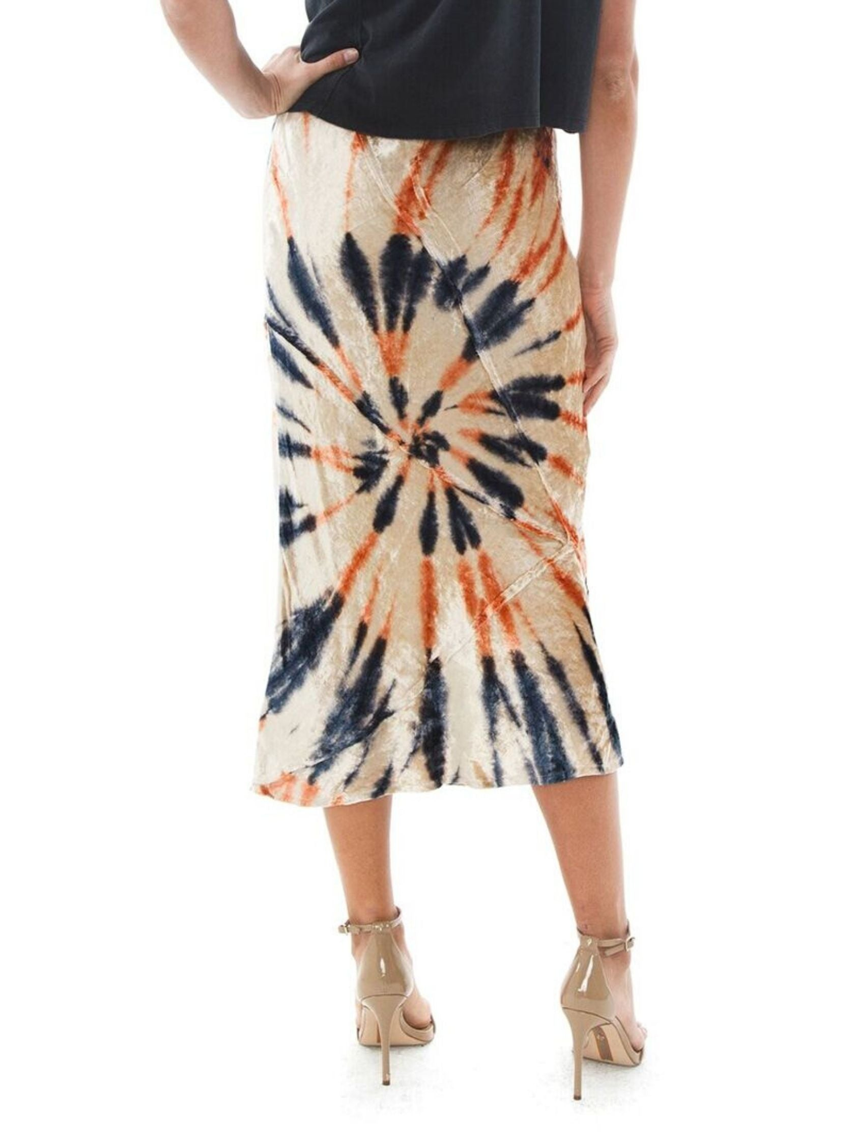 Women outfit in a skirt rental from Free People called Serious Swagger Tie Dye Skirt
