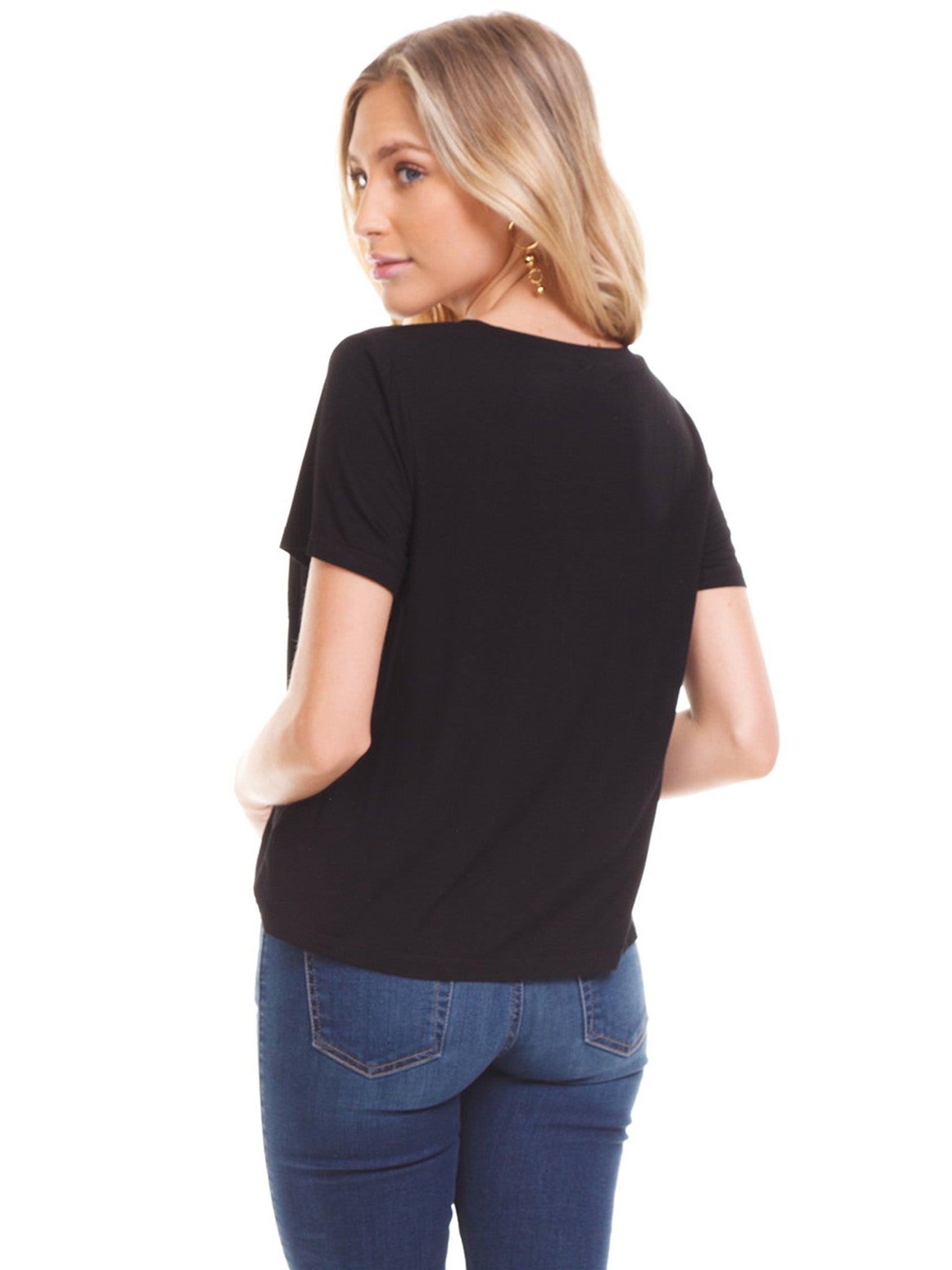 Women outfit in a top rental from Splendid called Short Sleeve Pocket Tee