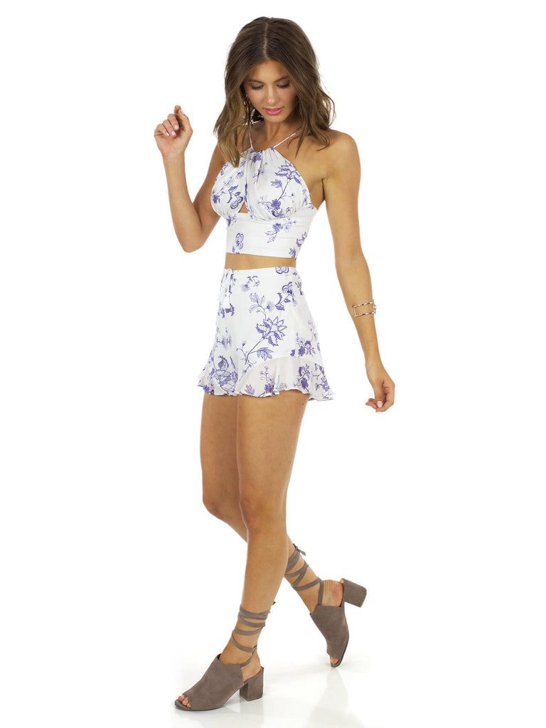 Women outfit in a two piece rental from The Jetset Diaries called Stevie Skirt