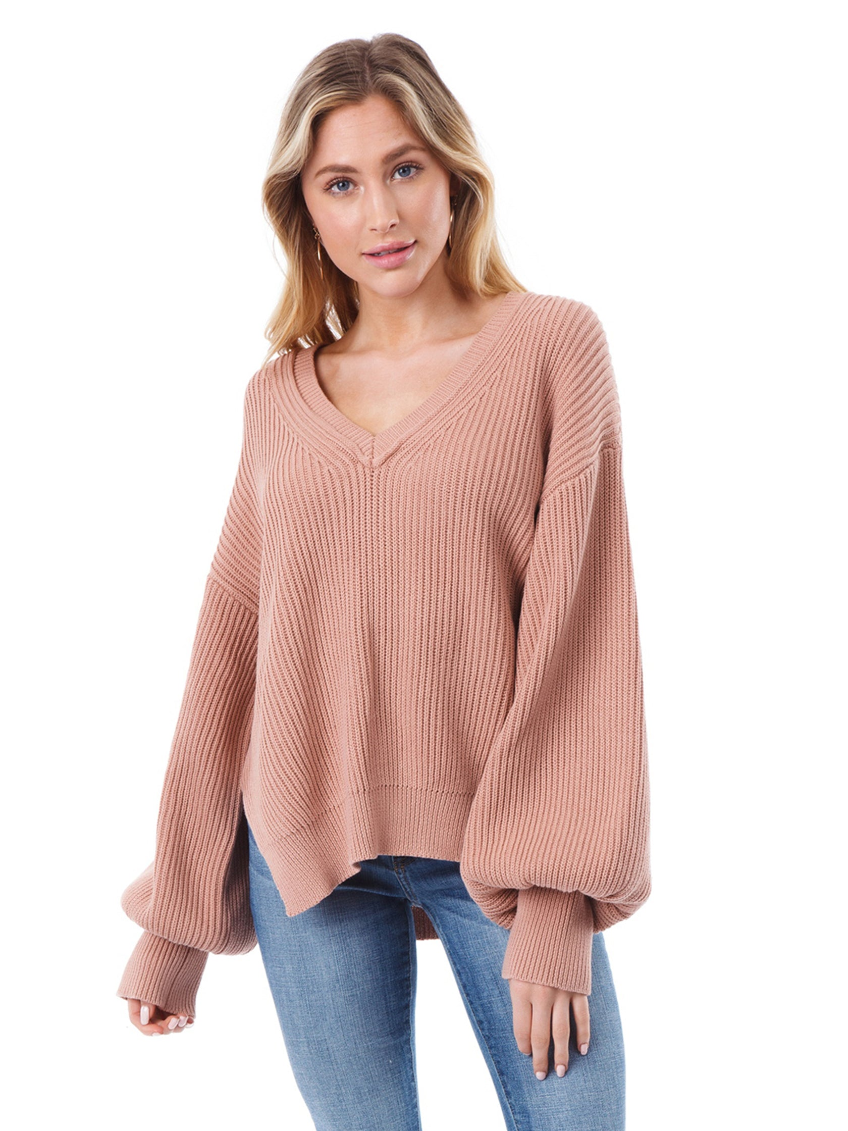 81d063b11f9b51 Girl outfit in a sweater rental from Lush called V Neck Dolman Sweater