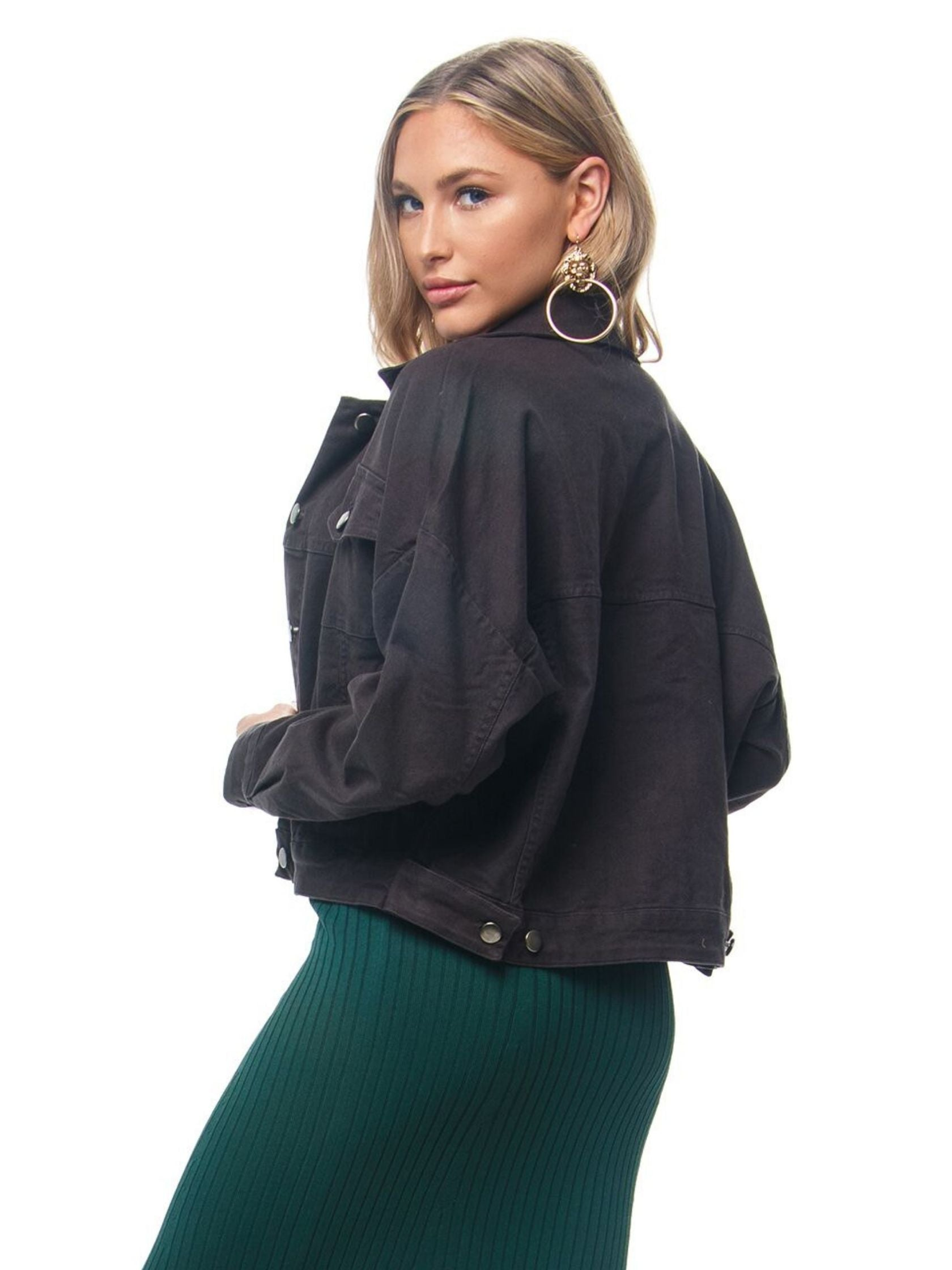 Women outfit in a jacket rental from Chaser called Vintage Canvas Drop Shoulder Trucker Jacket