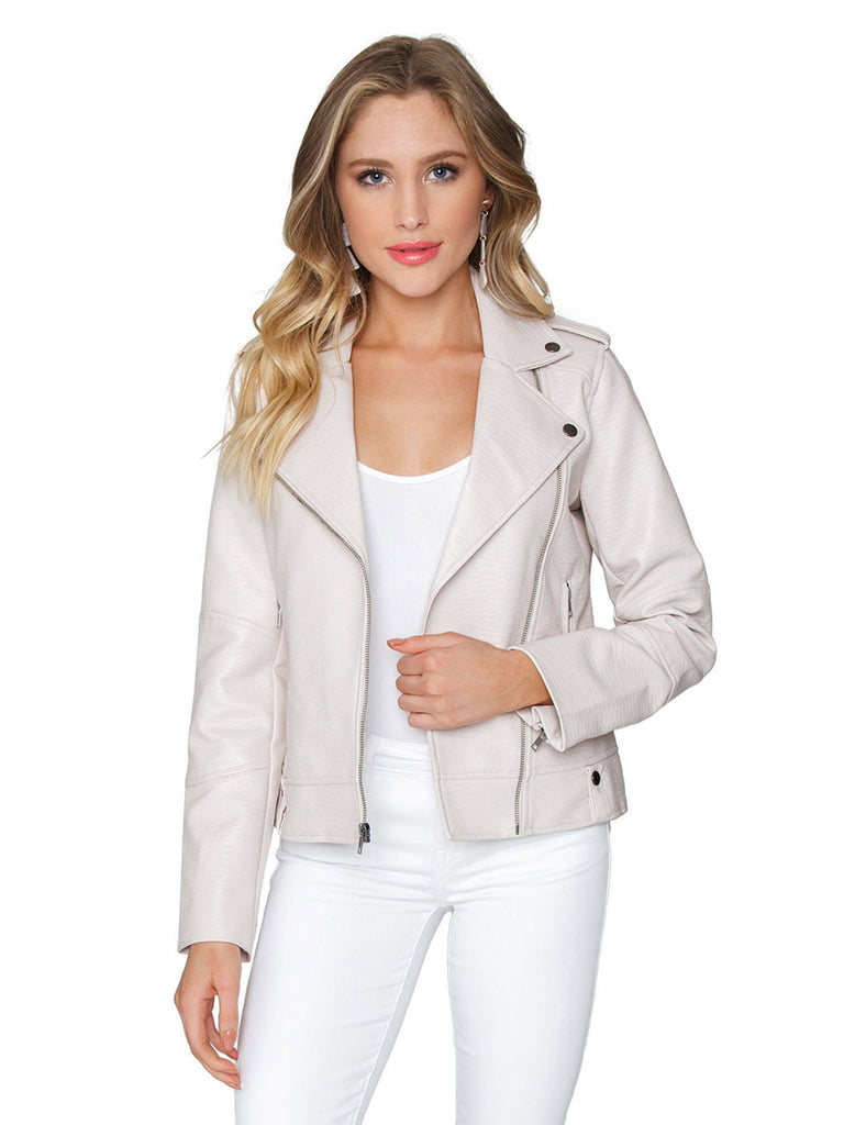Women outfit in a jacket rental from Cupcakes and Cashmere called Gregory Blazer