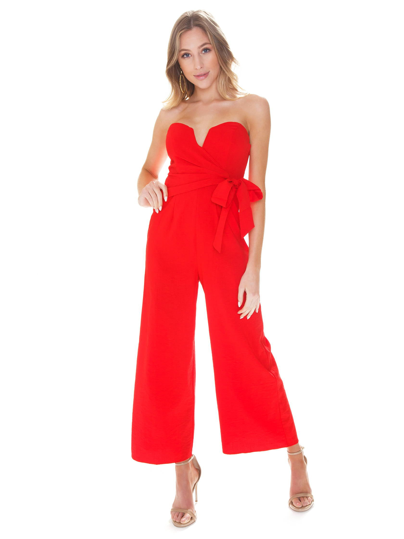 Girl outfit in a jumpsuit rental from ASTR called Zion Jumpsuit