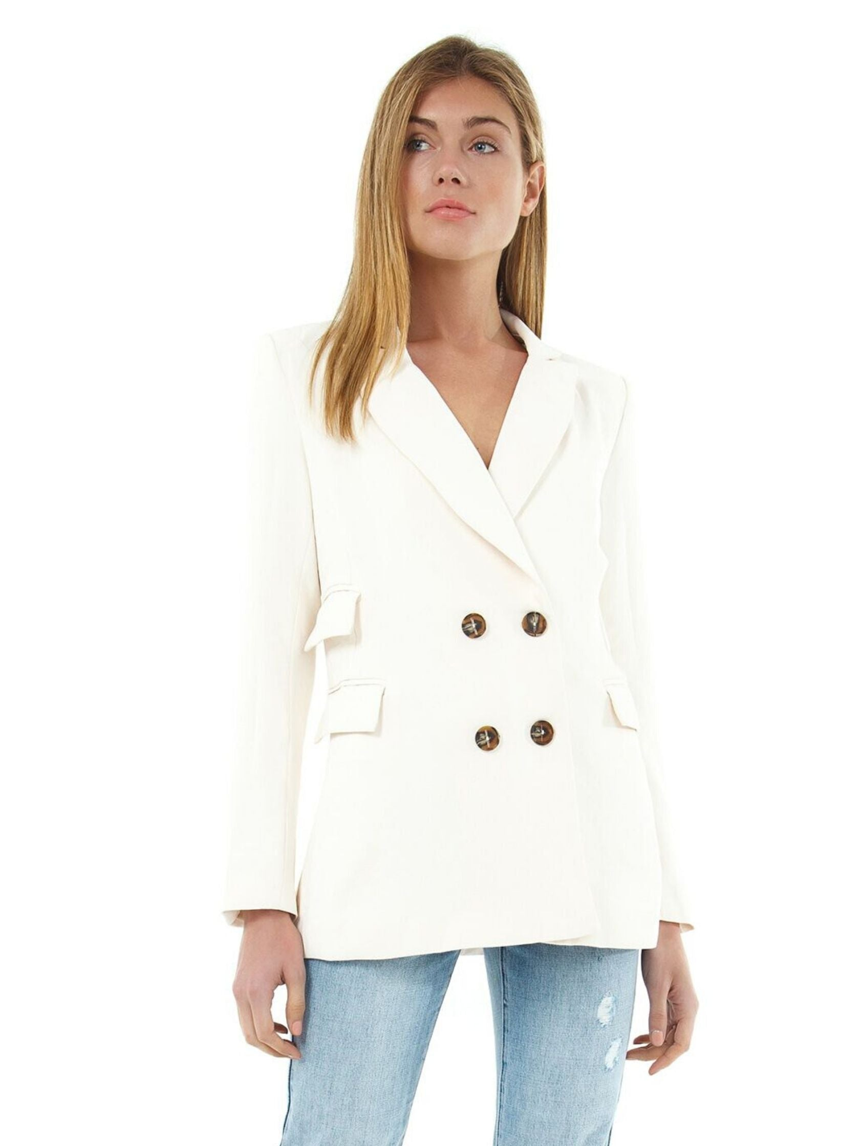 Woman wearing a blazer rental from ASTR called Zodiac Blazer