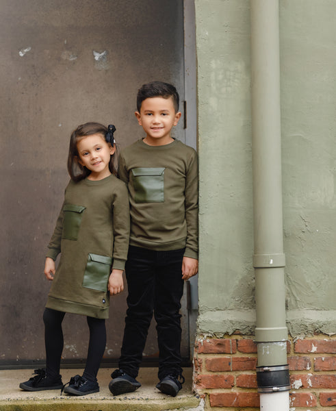 Boys Pocket Sweatshirt in Olive