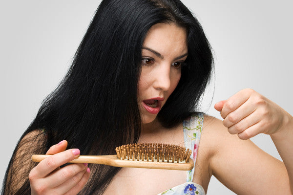 5 Easy Tips on how to STOP your hair falling out.