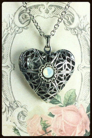 Aromatherapy/Perfume Heart Locket