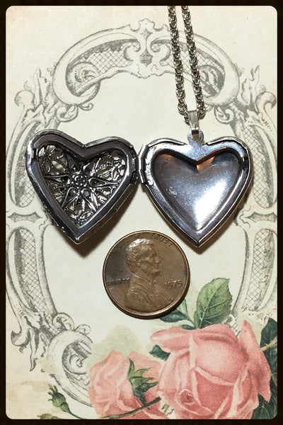 Perfume/Aromatherapy Heart Locket
