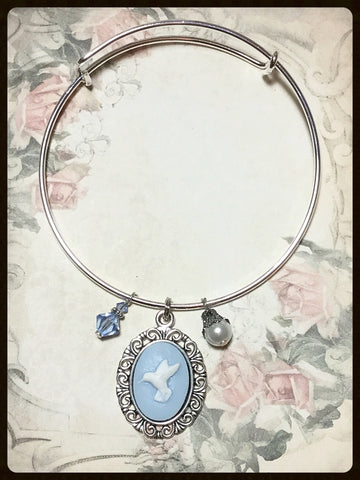 Bangle Bracelet with Hummingbird  Cameo Charm