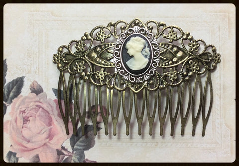 Hair Comb with Left Facing Cameo