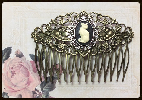 Hair Comb with Cat Cameo