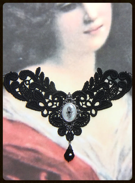 Lace Choker With Mother of Pearl