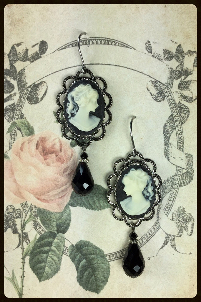 Cameo with Drop Earrings
