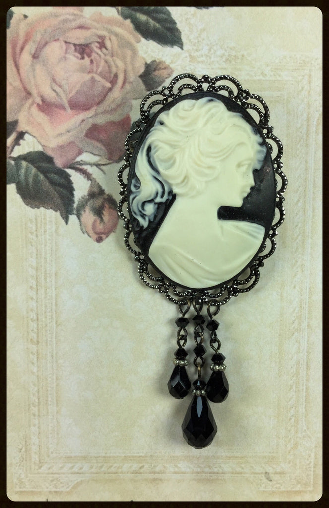 Cameo Brooch with Drops