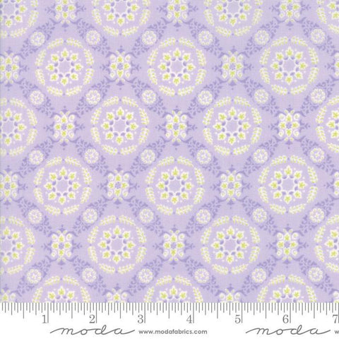 """Floral Circle Lattice Lavender"" Pink-Fleurs by Brenda Riddle for Moda"