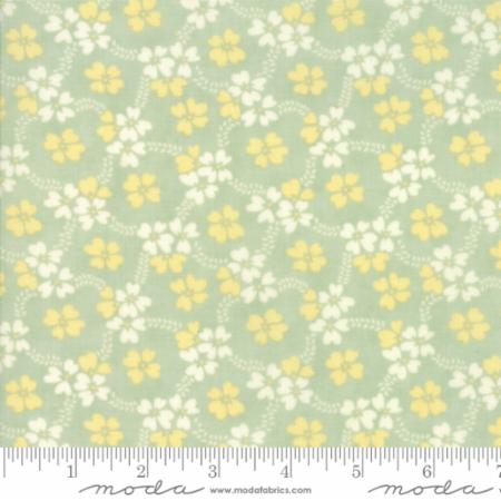 """Ella & Ollie""-Daisy Rings Aqua Pond by Fig Tree Quilts for Moda"