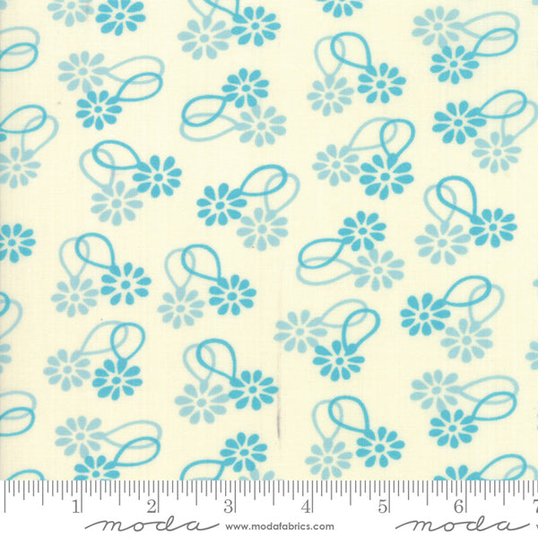 """Cheeky""- Floral Daisy Chain Light Blue by Urban Chiks for Moda"