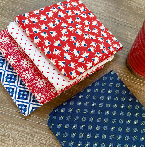 Fat Quarter Flourish Mini Quilt Kit...Patriotic Version