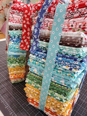 """Flea Market"" Fat Quarter Bundle 43 Pcs. by Lori Holt of Bee in My Bonnet for Riley Blake"