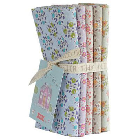 """Maple Farm & Tiny Farm""- Flowers and Blueberries Fat Quarter Bundle"