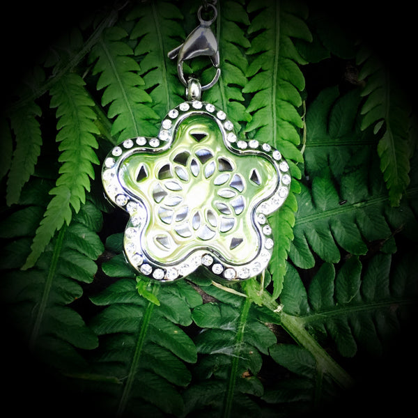 30mm Stainless Steel Flower Power with Bling Locket