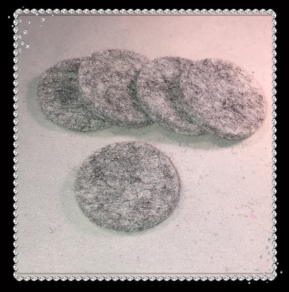Round Reusable Essential Oil Locket Pads for 30mm and Larger in Gray