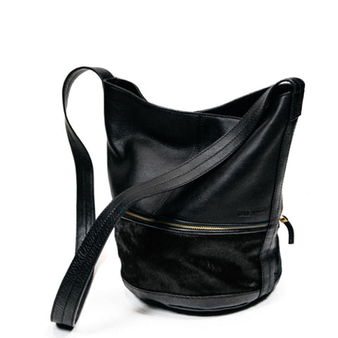 BUCKET BAG - BLACK AND CAMEL