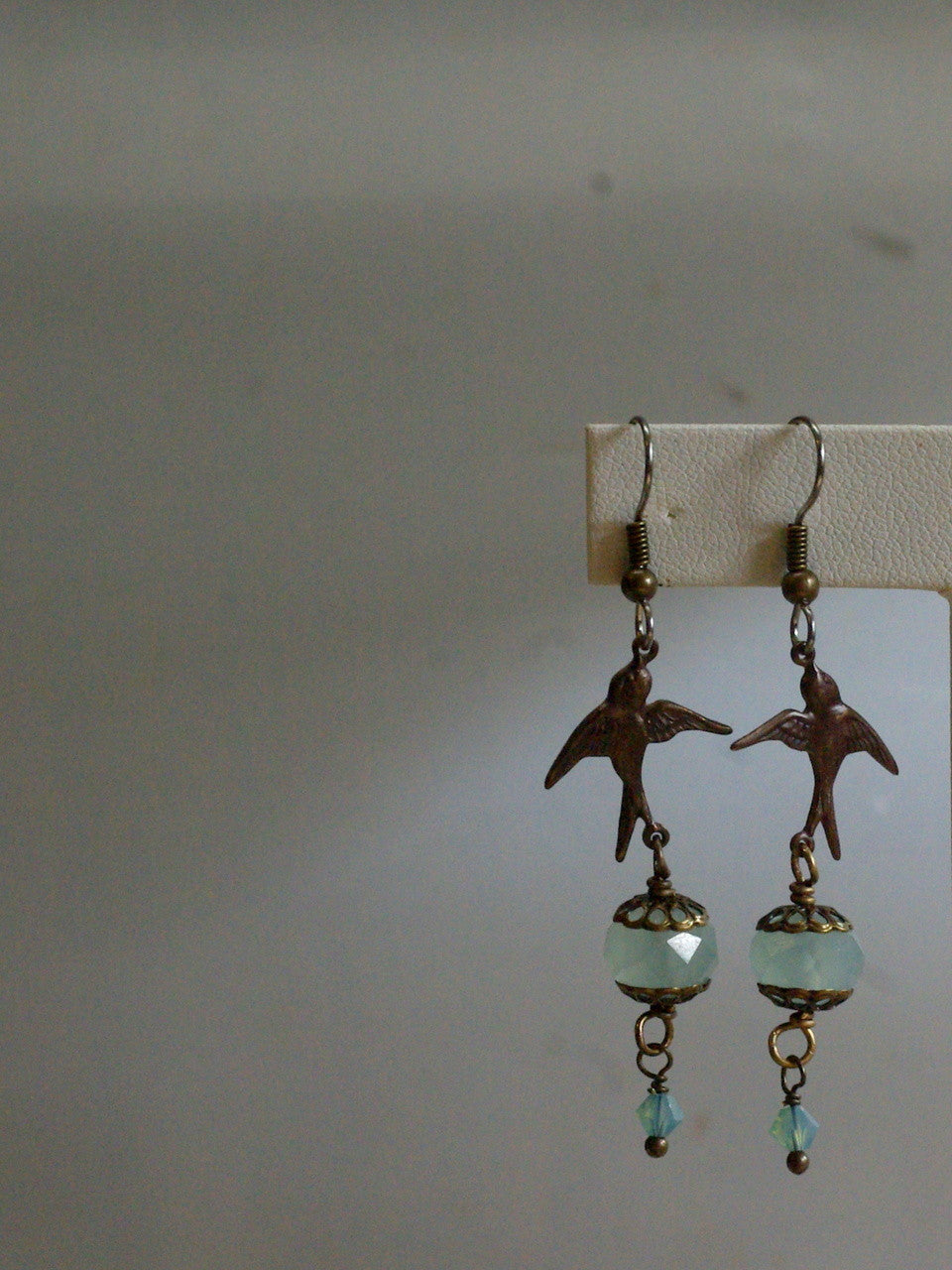 art deco earrings/06 chalcedony swallows