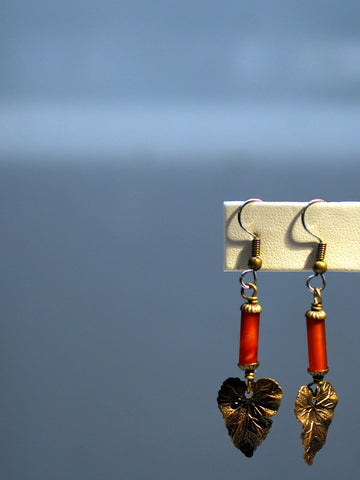 art deco earrings/02 carnelian leaves