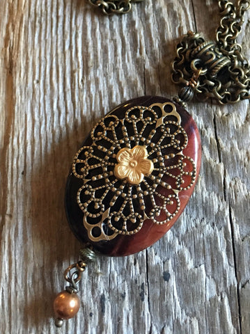 antique necklaces/02 lattice flower on red tiger eye