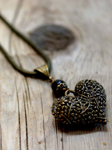 brass medallion necklace/04 baroque heart