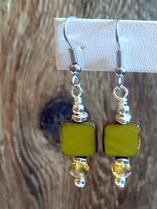 petite drop czech earrings/04 sun yellow