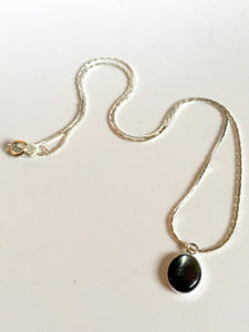 dainty stones/02 black mother of pearl on silver