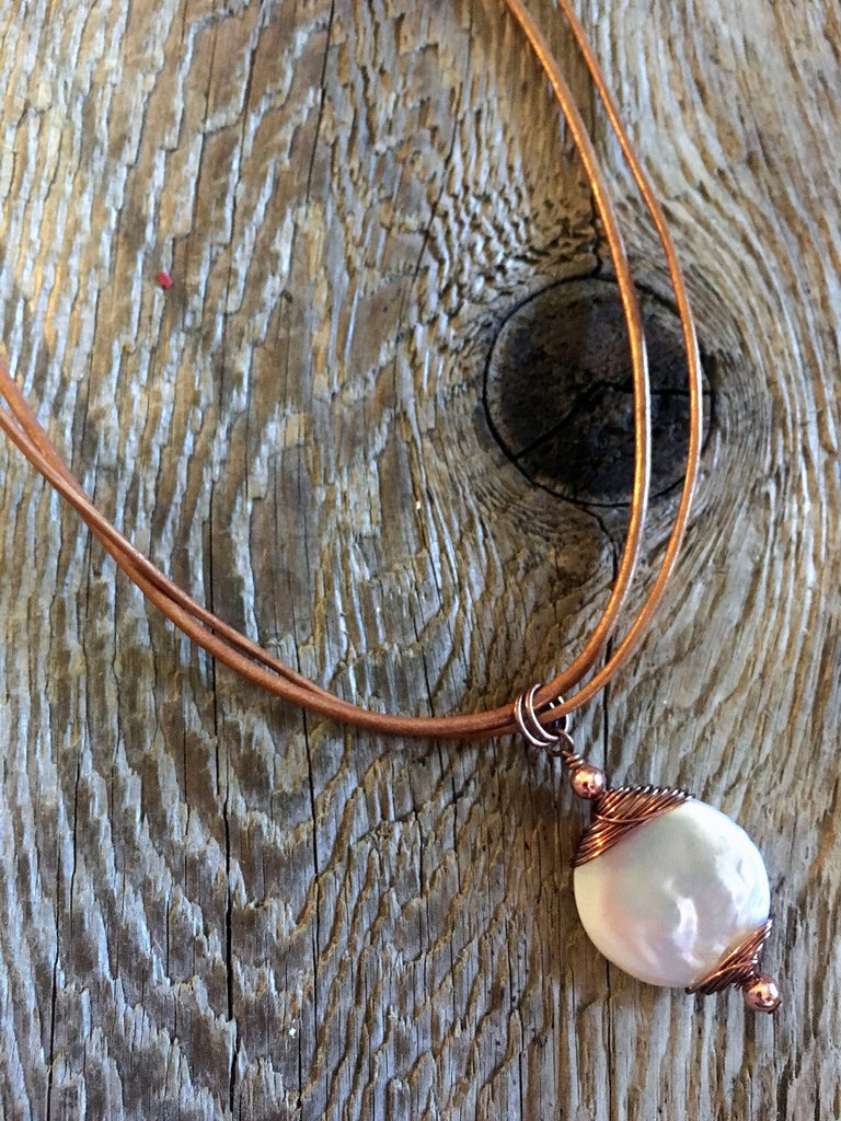 round coin pearl necklace/04 coil & disc pearl in bright copper ...