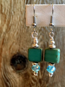 petite drop czech earrings/01 aqua