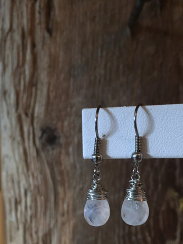 hand cut gemstone earrings/02 faceted teardrop moonstone