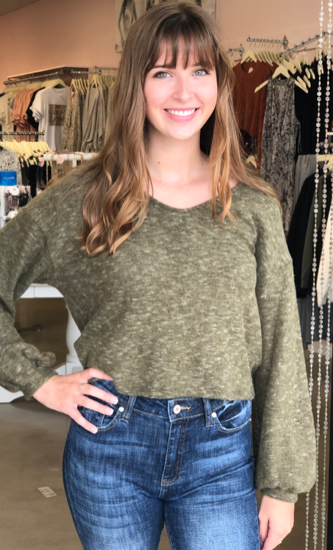 Fall-ing V-Neck Crop