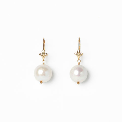 Madre Pearl Earrings