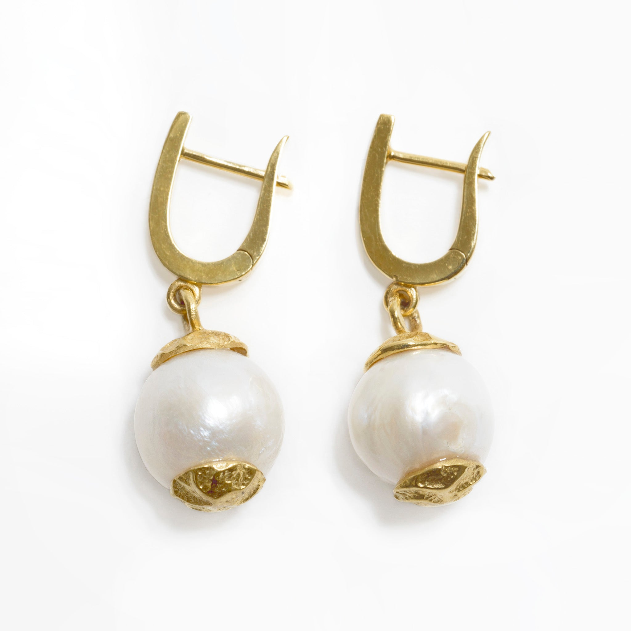 Dandini Pearl Earrings Image